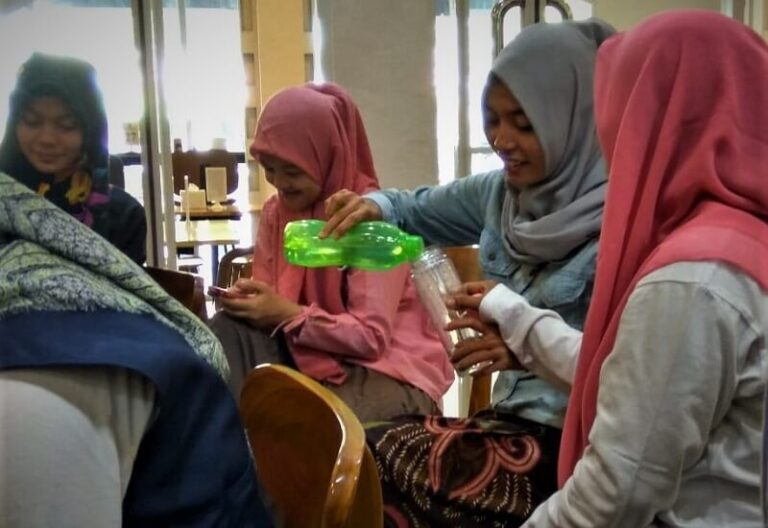 3 Perempuan Peduli Leuser Berbagi Air (1)