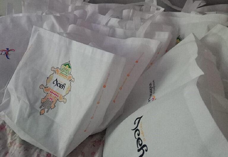 4 Perempuan Peduli Leuser Tradisi Pembagian Goodie Bag Kurangi Sampah Plastik (1)