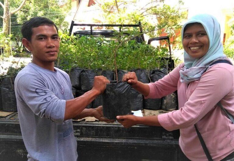 Perempuan Peduli Leuser Penanaman Pohon